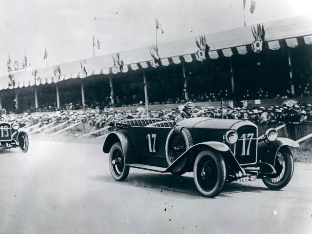 /image/04/4/illus-1912-sport.153454.355044.png