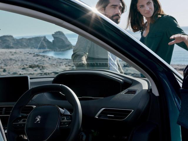 /image/06/5/new-5008-suv-interior-enhanced-driving-experience.312065.jpg