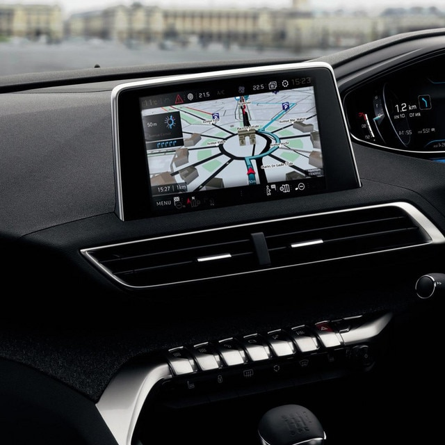 /image/09/2/new-5008-suv-navigation-interior.312092.jpg