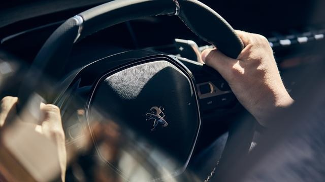 New PEUGEOT 508 GT saloon, full-grain perforated leather compact steering wheel